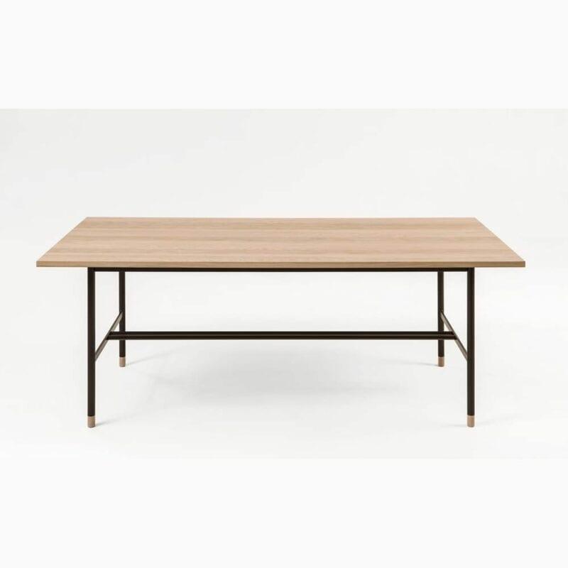 Jugend ruokapöytä, pit.200, lev.95 ja kork.95 cm, taso tammiviilutettu, mustat metallijalat, Woodman.