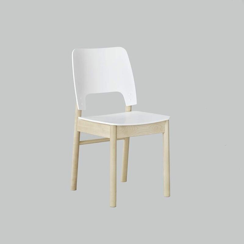 Karpalo -tuoli, koivua/valk. Juha Mäkelä design.