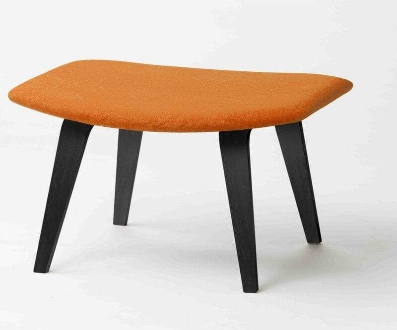 Grasshopper rahi, mustat koivujalat, verhoiltu oranssilla Hallingdal villakankaalla. Original Eero Saarinen design.