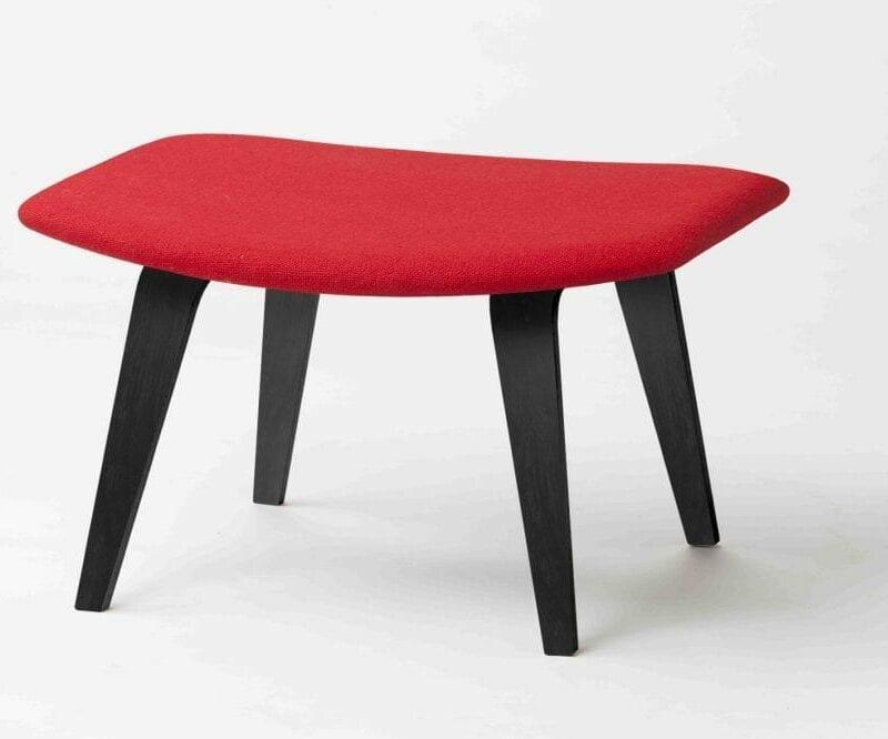 Grasshopper rahi, jalat mustat, verhoiltu punaisella Hallingdal villakankaalla. Original Eero Saarinen design.